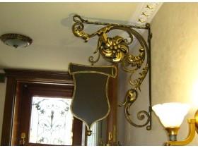 Консоль фигурная несветовая для ресторана г. Санкт-Петербург