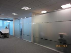 Оформление витрин в бизнес-центре